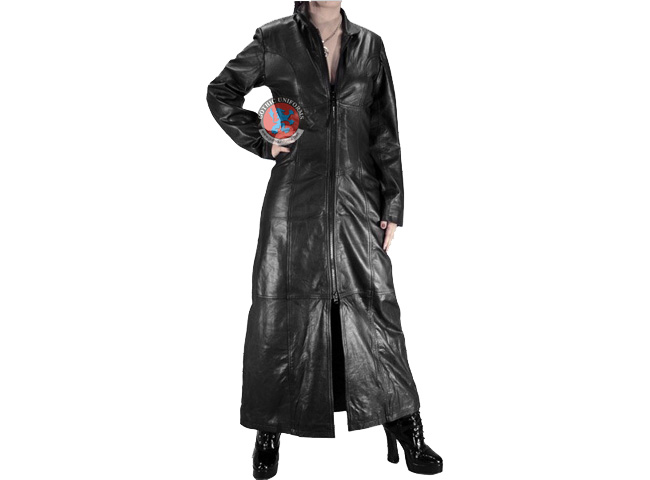 Reanimator Smooth looking gothic coat